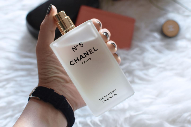 chanel-olio-corpo-n5-idea-regalo-natale-2016-valentina-coco-influencer