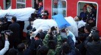 """<h2><strong><span style=""""font-size: 14px;"""">115 mineros son rescatados tras más de una semana bajo tierra<br /> </span></strong></h2> <p>Desde el pasado viernes, las operaciones de rescate en una mina de Shanxi se han convertido en la noticia más importante en China. El domingo 28 de marzo se produjo la inundación de una obra en la que quedaron encerradas 153 personas, una noticia que circula con indiferencia por las agencias de comunicación casi todos los meses. Cuando ya se les daba por muertos, cinco días después del accidente y sin agua ni comida, los servicios de rescate escucharon voces. El lunes por la noche, ocho días después del accidente, 115 mineros habían sido rescatados con vida. La prensa, que se volcó por completo con las labores de rescate, lo calificó como """"un milagro"""":</p>"""