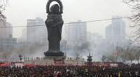 """<p>Durante el Año Nuevo Chino, en el que el país está todavía inmerso, una de las expresiones más repetidas es """"Deseo que te enriquezcas"""" (恭喜发财). Los símbolos y caracteres referentes al dinero son numerosos durante estas celebraciones. Uno de los ejemplos más claros de esta conexión entre el Año Nuevo y el enriquecimiento se ha dado en Wuhan (provincia de Hubei), donde 350.000 personas acudieron al templo de Guiyuan (归元) para rendir culto al Dios de la Riqueza (财神).</p> <p>Estas son algunas de las imágenes de este ritual. </p>"""