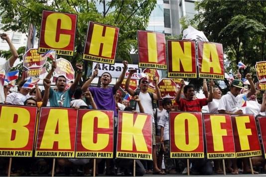 Las manifestaciones frente a la embajada china en Manila han continuado al menos hasta el 11 de mayo.