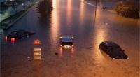 El sábado 21 de julio, durante unas 20 horas, el agua no dejó de caer del cielo en lo que el gobierno de Pekín y los medios de comunicación han definido como la peor tormenta en más de 60 años. Según la información oficial publicada el domingo por la noche, la tormenta se ha cobrado la vida de 37 personas en la capital china; 25 de ellas murieron ahogadas, seis por el derrumbe de casas e infraestructuras, cinco electrocutadas y una por el impacto de un rayo. Hay otras siete personas desaparecidas. <strong>Por Daniel Méndez.</strong>