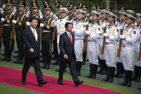 Xi Jinping junto al presidente de México, Enrique Peña Nieto, en el Foro de Boao.