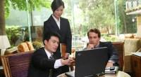 Las empresas chinas siguen considerando a los occidentales una marca de prestigio y calidad. ¿Qué haces si no tienes uno? Lo alquilas durante unas horas y problema resuelto.