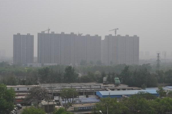 Uno de los nuevos barrios residenciales (en construcción) a las afueras de Pekín. [FOTO: Daniel Méndez]