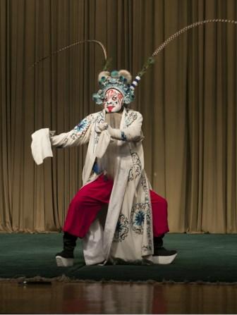 Los fantasmas y espíritus son habituales en algunas representaciones de ópera de Pekín. FOTO: Daniel Méndez.