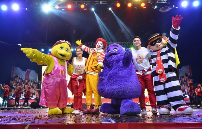 mcdo kiddie crew_host and gang