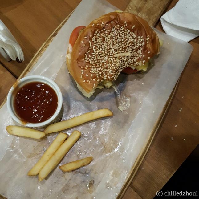 olive cafe_mushroom burger