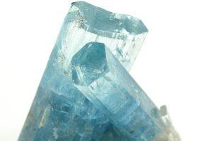 アクアマリン(藍玉/あいだま・らんぎょく)Aquamarineの特徴・意味と効果