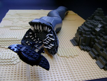 lego dune ver sandworm catch