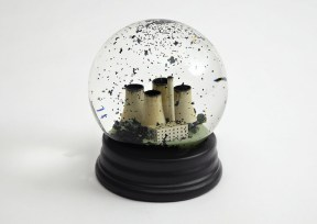 boule neige pollution usine