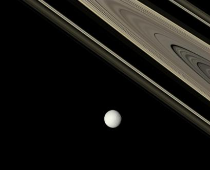 tethysrings_cassini_1005