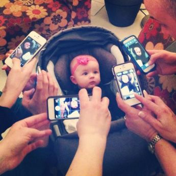 bebe photo smartphone
