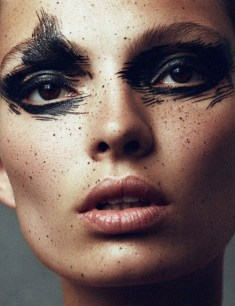 femme modele maquillage