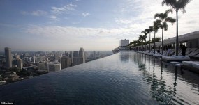 The-most-wonderful-Pools-marina-bay-sands-hotel-singapore-890x472