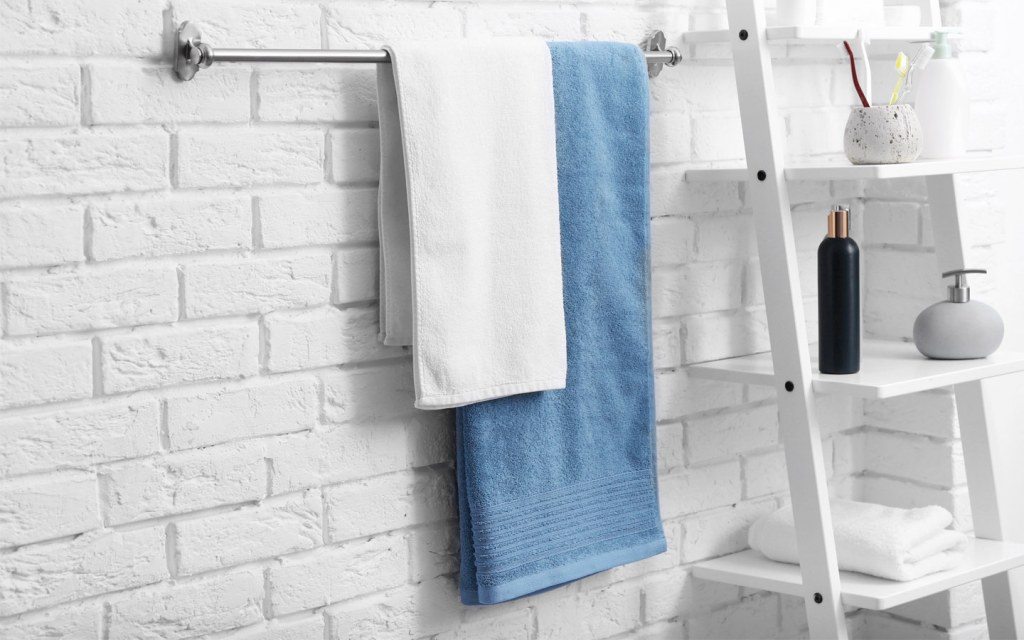 where to install towel bar in a bathroom