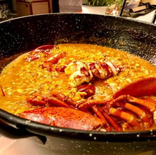 Arroz con bogavante, paella