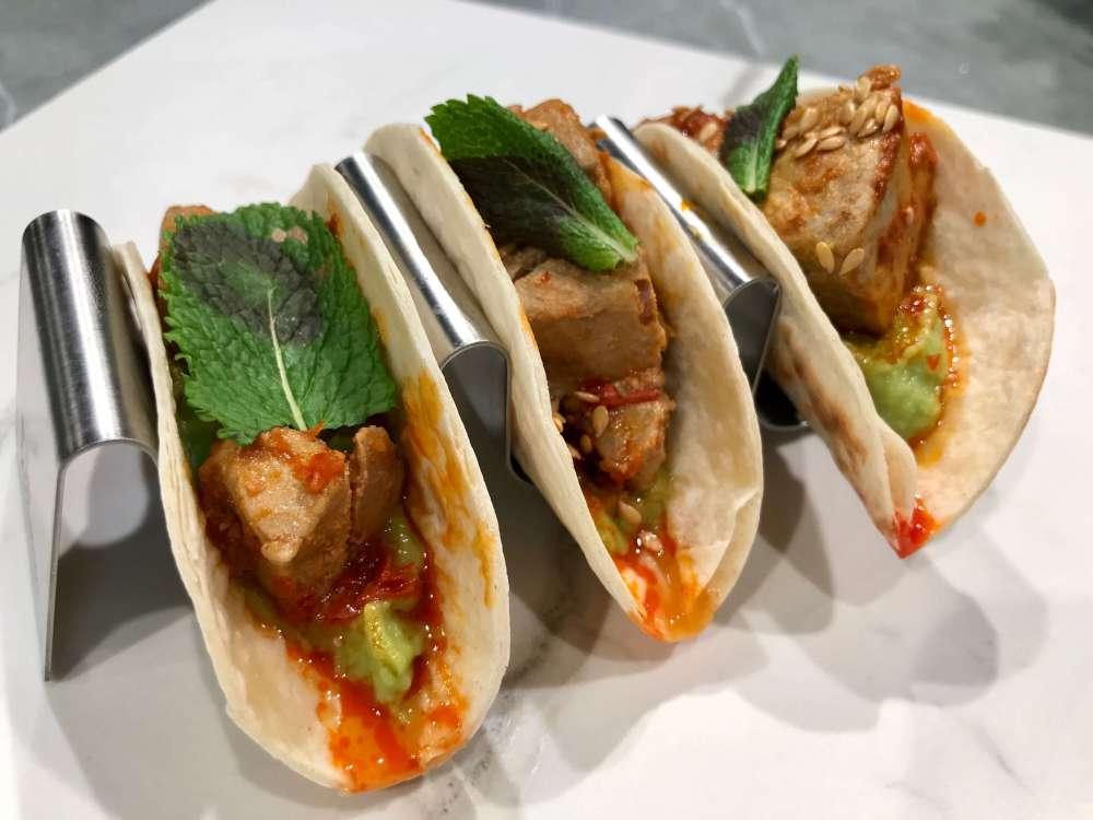 Tacos de atún en la presentación de la Agenda Gourmet 2020