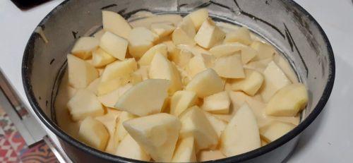 Tarta Sharlotka rusa de manzana