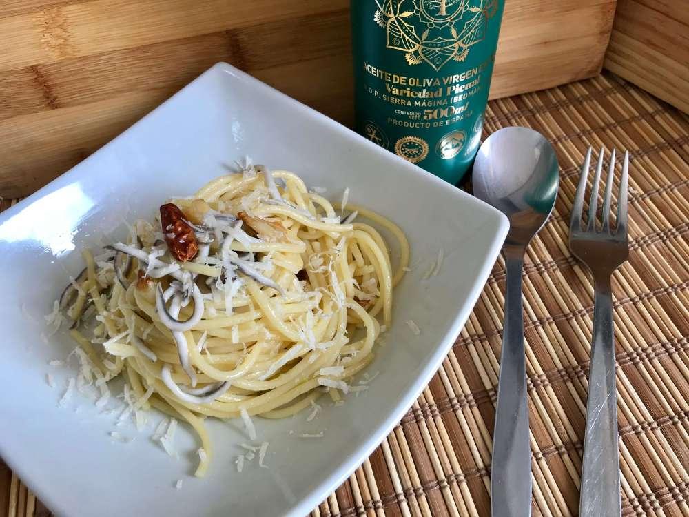 """Espagueti con gulas, receta para el """"Reto AOVE Mágina"""""""