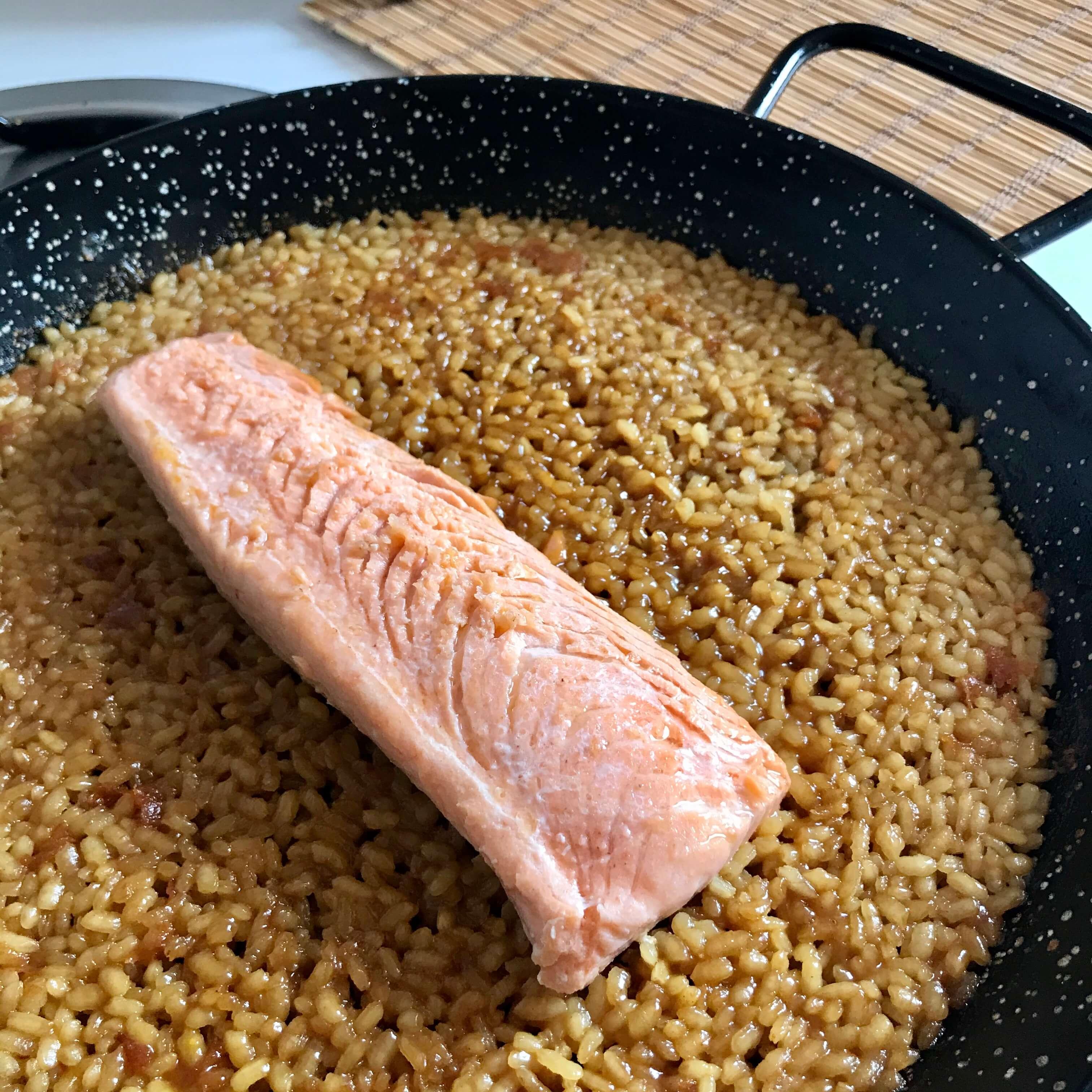 Receta de arroz seco con salmón