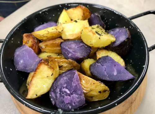 Receta de patatas bravas del restaurante Bowlers