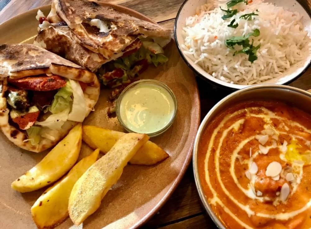 Platos del restaurante indio Surya