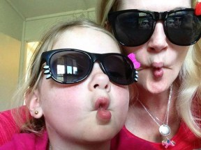 like-mother-like-daughter-funny-photography-32.jpg