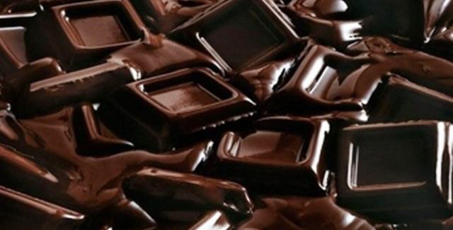 Cioccolato fondente toccasana per il Parkinson e per i suoi tremori