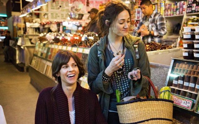 Hilary Swank e Emmy Rossum in qualcosa di buono