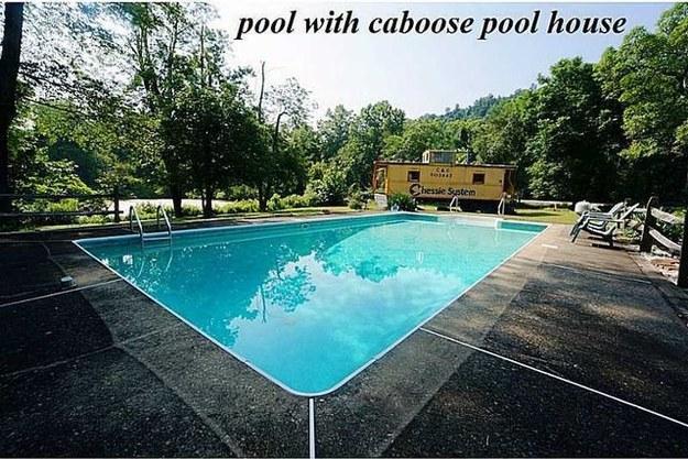 La piscina della casa del silenzio degli innocenti