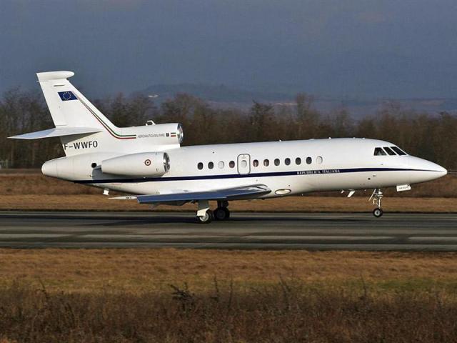 Un Falcon militare trasporta un paziente da Reggio Calabria a Torino per ricevere un trapianto renale