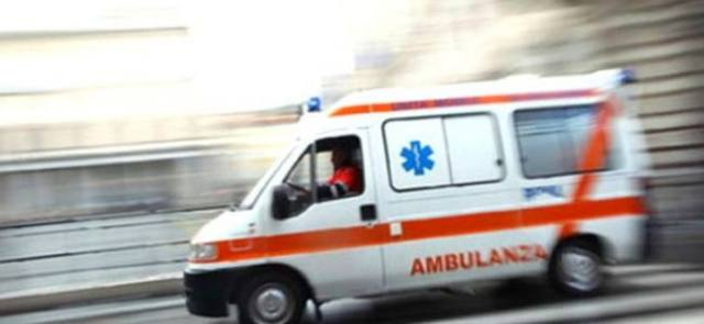 Niente tagli alle ambulanze!