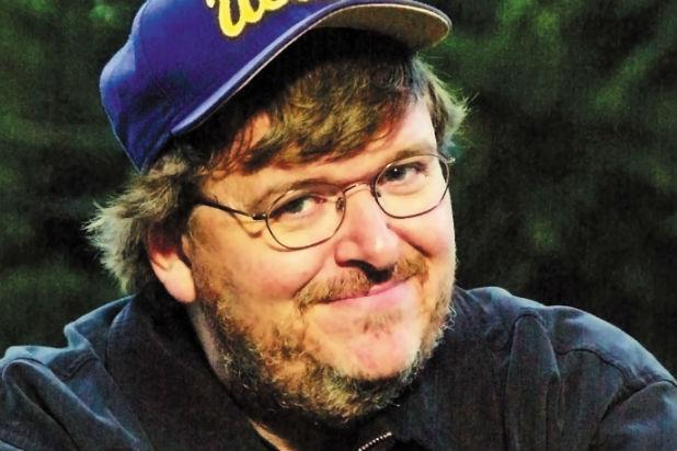 Michael Moore: creiamo nemici per mantenere l'industria militare