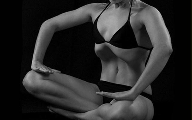 Gimnasia-abdominal-hipopresiva-sentada