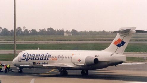 Spanair Link Boeing 717-23S EC-HUZ at Palma de Mallorca.