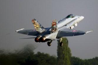 IMGP6257 Swiss air force F-18A J-011