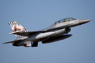 IMGP6461 BAF F-16B 20 years OCU