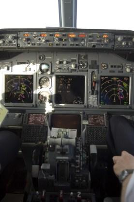 737-800 cockpit