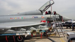 _IGP5004 Eurofighter Typhoon with missles 2