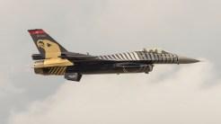 General Dynamics TUSAS F-16CG Night Falcon 401Turkish air force demo 91-0011