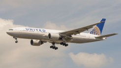 Boeing 777-222ER United Airlines N209UA