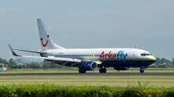 Boeing 737-8Q8 ArkeFly N738MA
