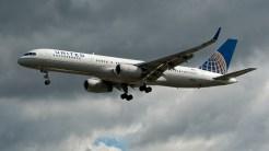 Boeing 757-224 N29129 United Airlines