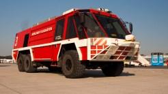 IMGP7635 Berliner Flughafen Firetruck