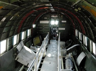 ad08-04 DC-3 HOLLAND inside