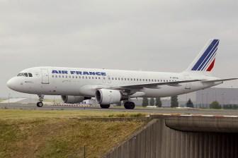 cdg06-05 Airbus A320-111 F-GFKA Air France