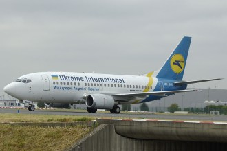 cdg06-05 B737-5Y0 UR-GAK Ukraine International