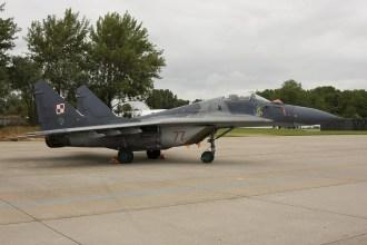 lee06-MiG29-Fulcrum-77-Poli