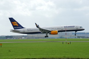 Boeing 757-208 TF-FIP Icelandair