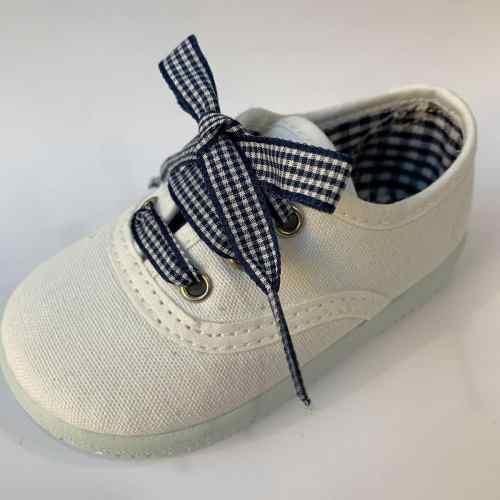 zapatillas victoria blancas y vichy